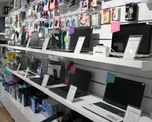 Un magasin spécialisé en informatique